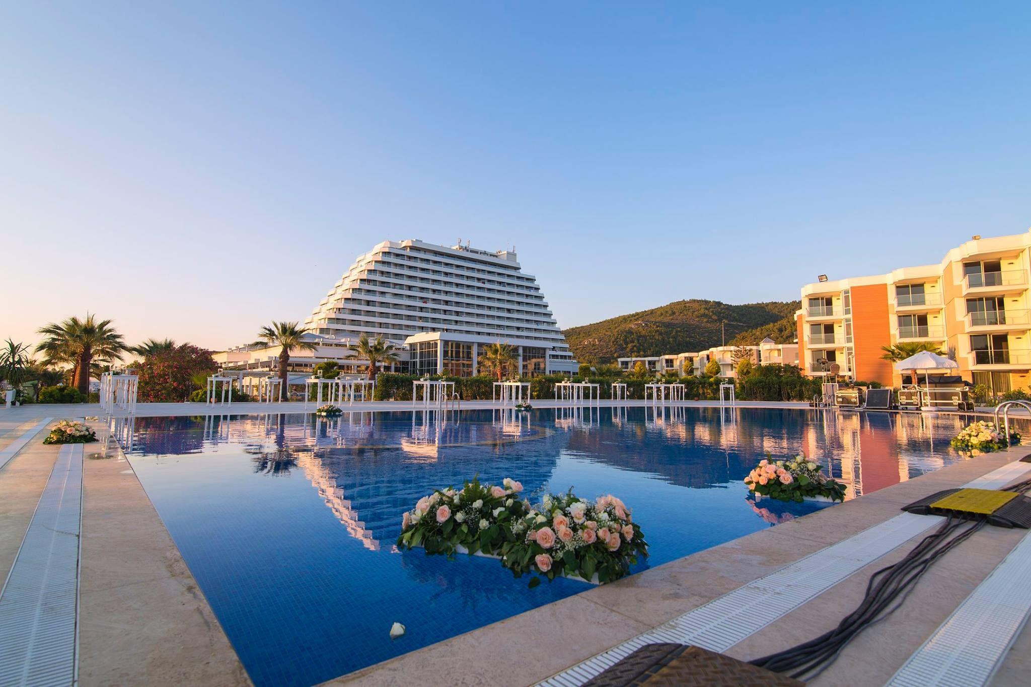 хотел Palm Wings Ephesus Resort 5* - автобус 7 нощувки  24h ALL от 485лв.